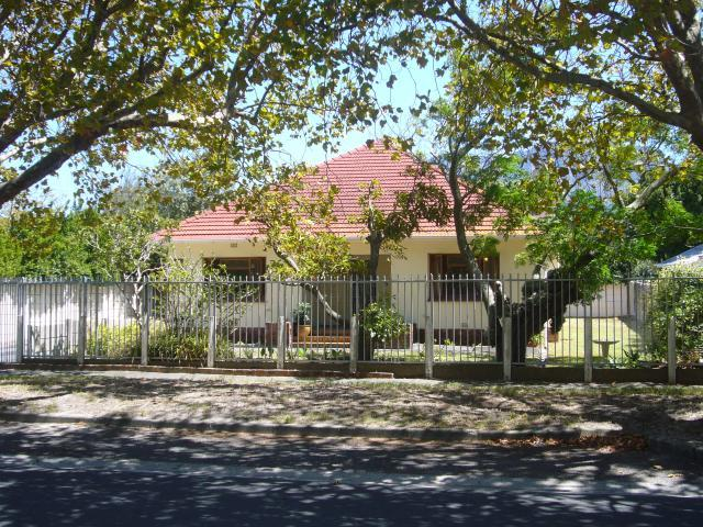 Property For Sale in Rondebosch, Cape Town 19