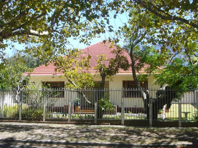 Property For Sale in Rondebosch, Cape Town 20