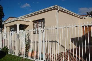 Property For Sale in Harfield Village, Cape Town 3