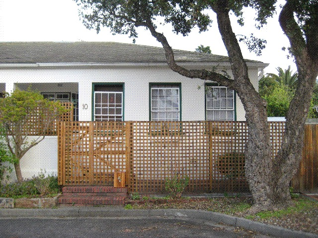 Cottage For Sale in Claremont, Cape Town
