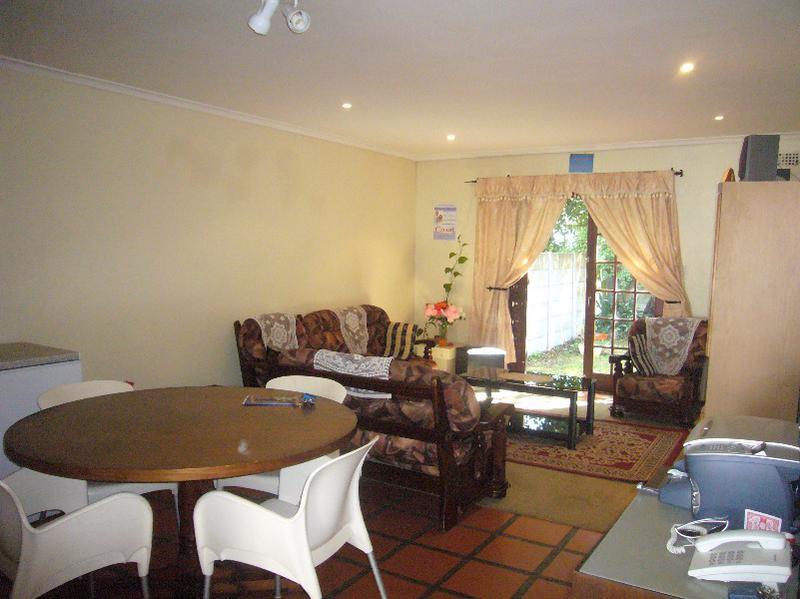Simplex For Sale in Kenilworth, Cape Town
