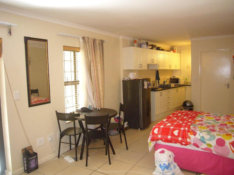 Property For Sale in Rondebosch, Cape Town 7