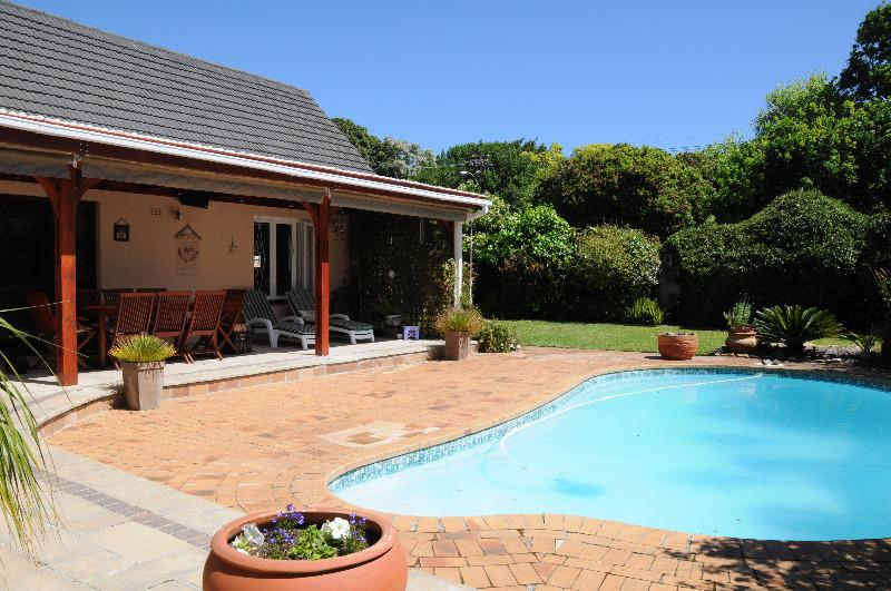 Property For Sale in Bergvliet, Cape Town 17