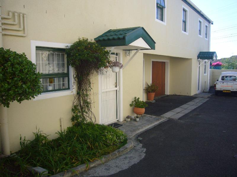 Property For Sale in Diep River, Cape Town 10