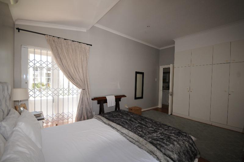Property For Sale in Harfield Village, Cape Town 16