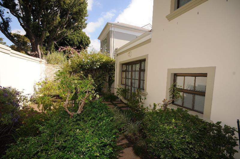Property For Sale in Claremont Upper, Cape Town 33
