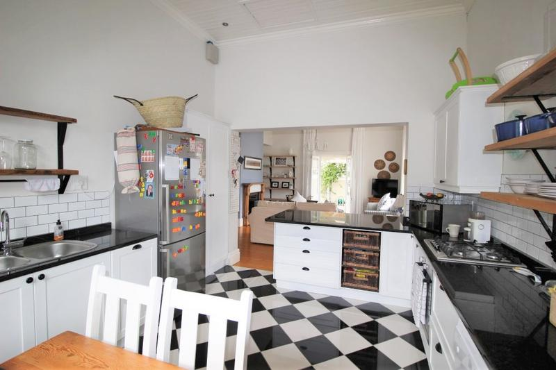 Property For Sale in Claremont, Cape Town 40