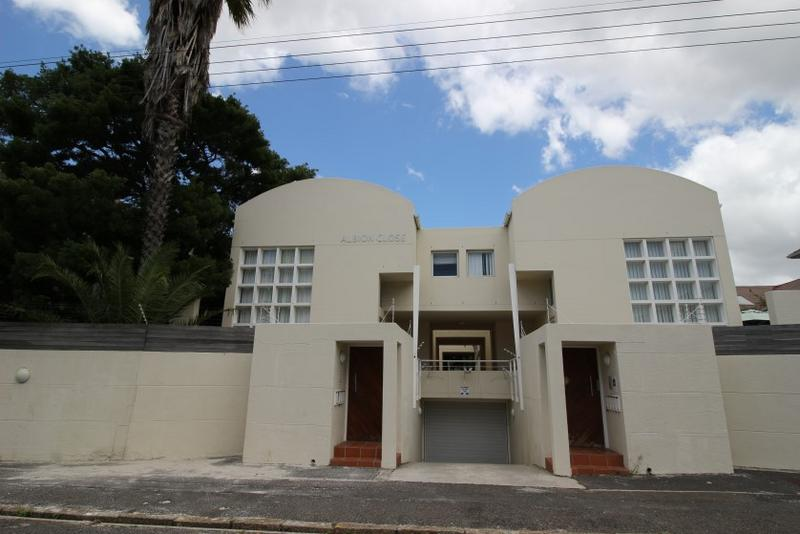 Property For Sale in Rondebosch, Cape Town 22