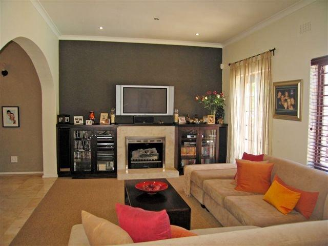 Property For Sale in Rondebosch, Cape Town 3