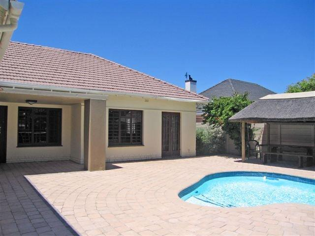 Property For Sale in Rondebosch, Cape Town 18