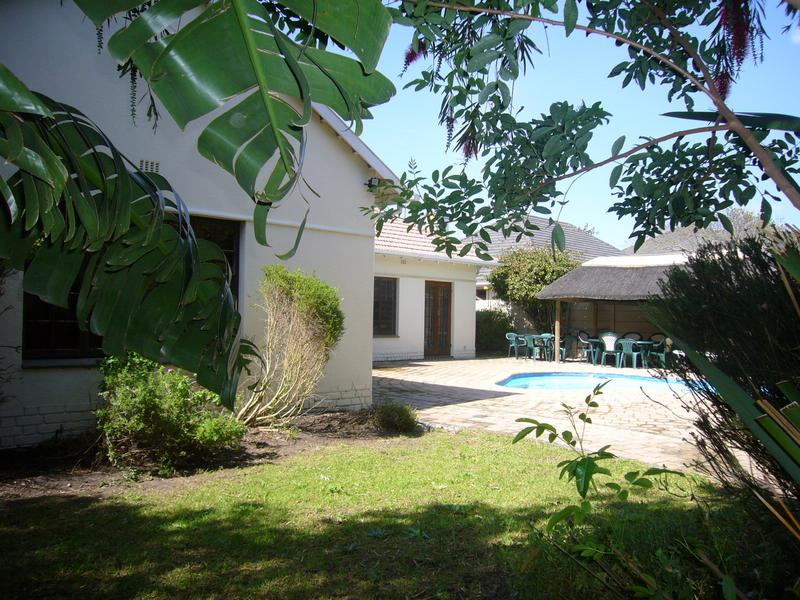 Property For Sale in Rondebosch, Cape Town 12