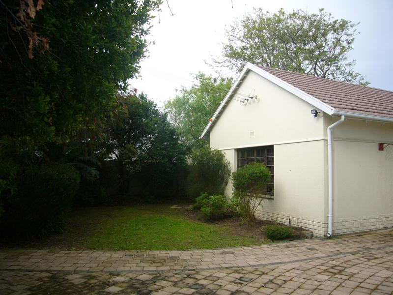 Property For Sale in Rondebosch, Cape Town 21
