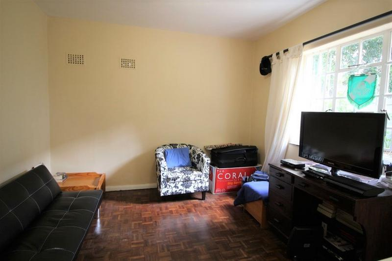 Apartment / Flat For Sale in Wynberg Upper, Cape Town