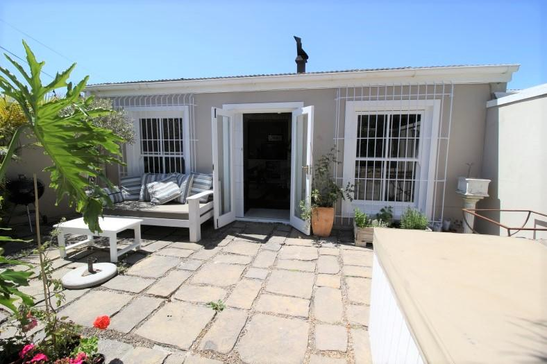 Property For Sale in Claremont, Cape Town 32
