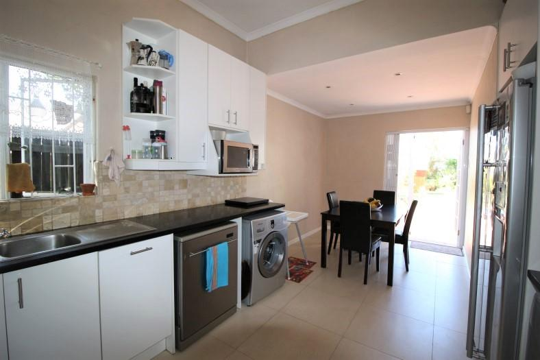 Property For Sale in Claremont, Cape Town 15
