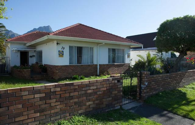 Property For Sale in Claremont, Cape Town 18
