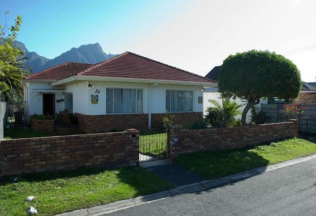 House For Sale in Claremont, Cape Town