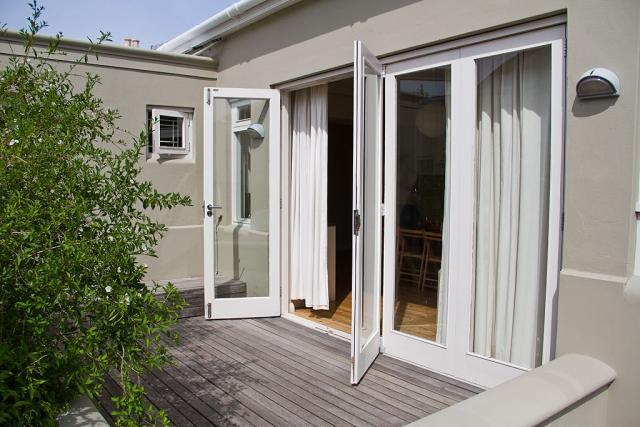 Semi-detached For Sale in Claremont, Cape Town