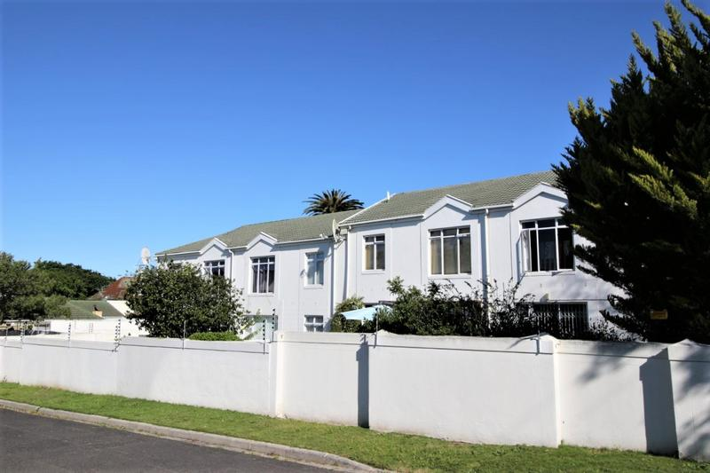 Property For Sale in Kenilworth, Cape Town 4