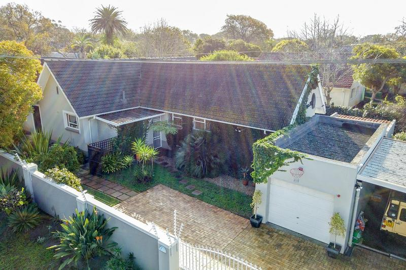 Property For Sale in Bergvliet, Cape Town 18