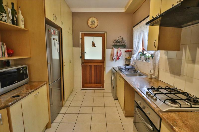 Property For Sale in Bergvliet, Cape Town 24