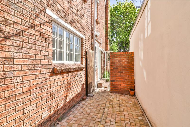 Property For Sale in Kenilworth, Cape Town 32