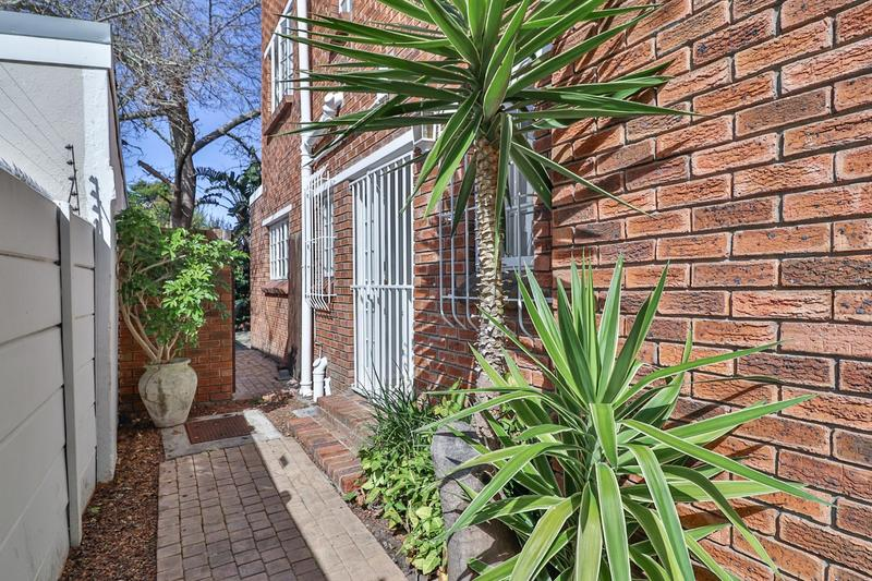 Property For Sale in Kenilworth, Cape Town 33