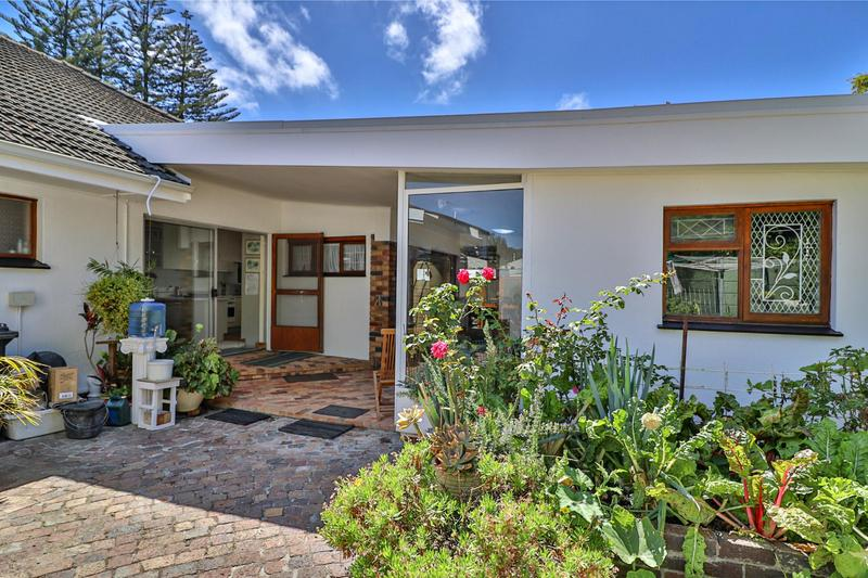 Property For Sale in Diep River, Cape Town 30