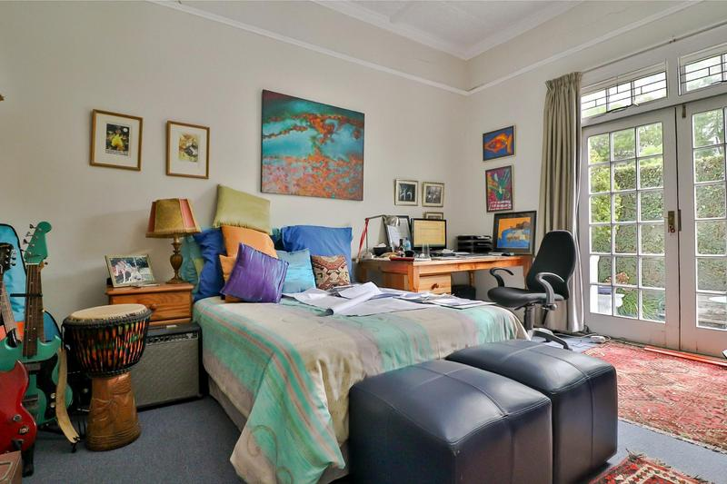 Property For Sale in Rondebosch, Cape Town 9